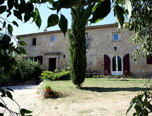 Domaine campoumal jouques for Le jardin catalan